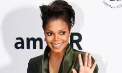 Jaket Musisi Janet Jackson Terjual Rp 1,1 Miliar