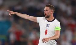 Jordan Henderson dari Inggris bereaksi selama pertandingan perempat final UEFA EURO 2020 antara Ukraina dan Inggris di Roma, Italia, 03 Juli 2021.