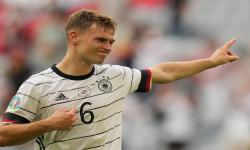 Joshua Kimmich dari Jerman bereaksi setelah pertandingan sepak bola babak penyisihan grup F UEFA EURO 2020 antara Portugal dan Jerman di Munich, Jerman, 19 Juni 2021.