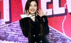 Joy Red Velvet Debut Solo dengan Album <em>Remake</em>