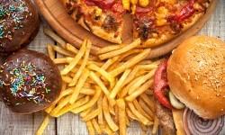 Alasan Junk Food Lebih Menggoda Dibandingkan Makanan Sehat