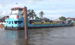 Kapal Feri, Alternatif Penyeberangan di Kalsel Saat Banjir
