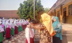 MTsN 1 Bogor Gelar Guru Berbagi Bantu Siswa Yatim dan Dhuafa