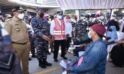 ASDP Bersama TNI AL Vaksinasi 1.500 Orang di Pelabuhan Merak