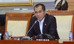 Komisi I DPR Siap Bahas UU ITE dengan Pemerintah