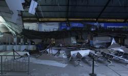 In Picture: Langit-langit Stasiun Pasar Turi Ambruk
