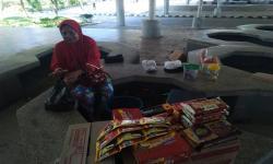 Kondisi pasar Skouw di perbatasan RI-Papua Nugini, distrik Muara Tami, Jayapura, Papua. Pandemi Covid-19 menyebabkan pagar batas negara ditutup sehingga ekonomi pasar lumpuh.