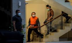 Azis Syamsuddin Beri Suap Eks Penyidik KPK Secara Bertahap