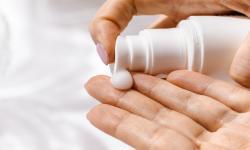 <em>Sunscreen </em>dengan KandunganIni Bisa Jadi Racun Setelah 2 Jam