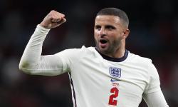 Kyle Walker dari Inggris merayakan setelah semifinal UEFA EURO 2020 antara Inggris dan Denmark di London, Inggris, 07 Juli 2021.