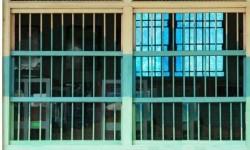 Petugas Temukan Ribuan <em>Handphone</em> di Lapas Curup