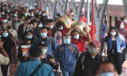 Jokowi Ingatkan Kepala Daerah Waspada Covid Saat Nataru