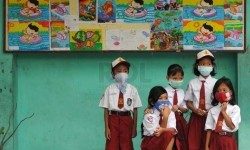 Masuk Sekolah Lagi di Tengah Pandemi, Bikin Galau Mami