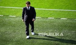 Pelatih Kroasia Zlatko Dalic berjalan pada pertandingan grup D Euro 2020 melawan Republik Ceska.