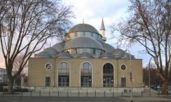 100 Masjid di Jerman dan Belanda Serentak Kumandangkan Azan