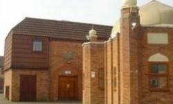 Adzan dengan Pengeras Suara di Masjid Peterborough Ditolak