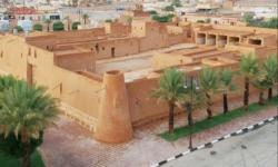 Mengintip Istana Bersejarah Raja Abdul Aziz di Desa Laynah