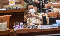Menkes Serahkan Santunan kepada Ahli Waris Nakes di DKI