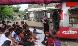 Tim Mobil KaCa UMM Pulihkan Trauma Anak-Anak Korban Gempa