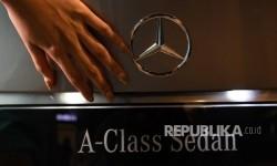 Mercedes akan Operasikan Seluruh Pabriknya di Seluruh Dunia