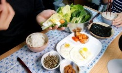 China Protes Video <em>Mukbang</em>