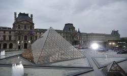 Museum Louvre Paris akan Segera Dibuka