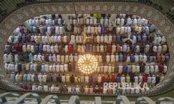 PM Bangladesh Salurkan Bantuan untuk 13 Masjid