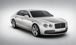 Ronaldo Tambah Koleksi Mobil Mewah Seharga Rp 3 Miliar