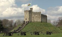 Tembakan Senjata Iringi Kepergian Pangeran Philip