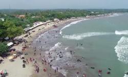 Pantai Anyer Bangkit Pascatsunami