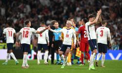 Para pemain Inggris merayakan kemenangan di semifinal UEFA EURO 2020 antara Inggris dan Denmark di London, Inggris, 07 Juli 2021.