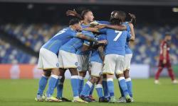 Ketenangan dan Kesabaran Kunci Napoli Atasi Legia