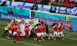 UEFA: Eriksen Sudah Dibawa ke RS, Kondisi Stabil