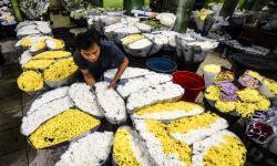 Jelang Idul Fitri, Banjir Bunga di Pasar Depok