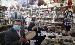 Laporan: Uighur Kerja Paksa untuk Buat Komponen Panel Surya