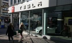 Baru Kerja Tiga Hari, Diduga Curi Dokumen Rahasia Tesla