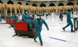 Saudi Berangsur Buka Kembali Masjid-Masjid