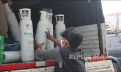 In Picture: Distribusi <em>Seribu Tabung Oksigen Merdeka untuk Negeri </em>