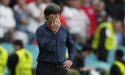 Pelatih kepala Jerman Joachim Loew saat timnya menghadapi Inggris di babak 16 besar Euro 2020.