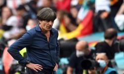 Pelatih kepala Joachim Loew dari Jerman bereaksi setelah pertandingan sepak bola babak 16 besar UEFA EURO 2020 antara Inggris dan Jerman di London, Inggris, 30.