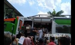 ACT Salurkan Paket Lebaran di Pasar Beringharjo
