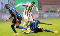 <em>Derby d'Italia</em>, Inter Milan Bungkam Juventus 2-0