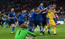 Pemain Italia merayakan setelah memenangkan final UEFA EURO 2020 antara Italia dan Inggris di London, Inggris, Senin (12/7) dini hari WIB.