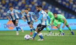 In Picture: Napoli Bantai Lazio 5-2