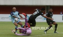 Ditahan Madura United, Pelatih Persela tak Salahkan Pemain