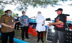 Nelayan di Banyuwangi Peroleh Bantuan Kapal Fiber