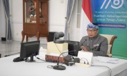 Serahkan 1.253 Beasiswa JFLS, Ini Pesan Ridwan Kamil