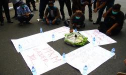 In Picture: Protes Pelanggaran PPKM Level 3 oleh Walikota Malang
