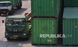 Pemerintah Terbitkan Aturan Perjalanan Sopir Logistik