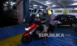 In Picture: Penyeberangan Jawa Bali Kembali Normal